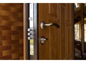 Что делать, если купили входную дверь, и она скрипит?