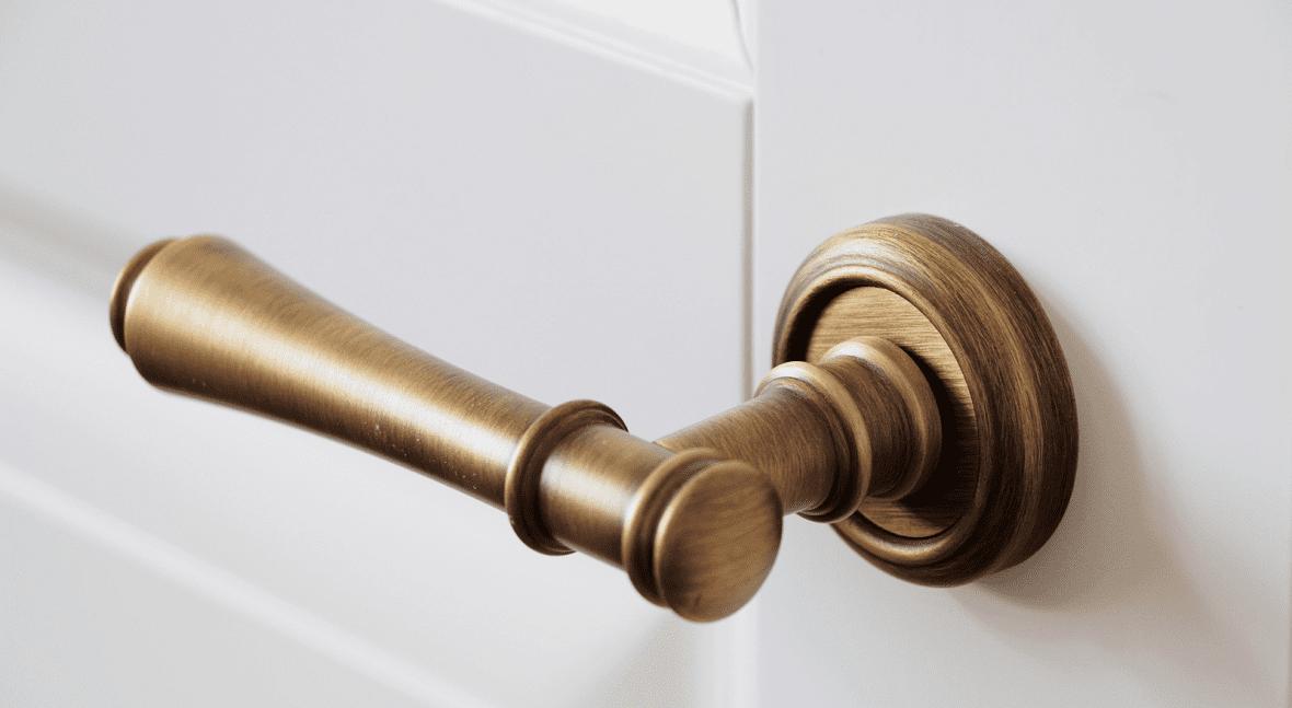 Особенности дверной фурнитуры